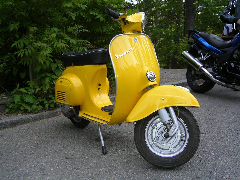 Vespa Primavera 125, joka esiteltiin vuonna 1967, kuuluu pienirunkoisiin Vespoihin.