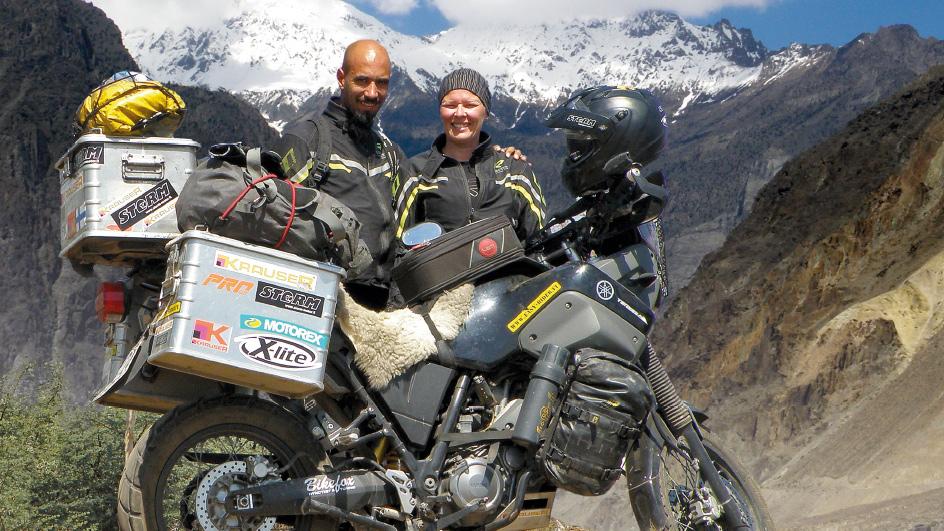 MOOTTORIPYÖRÄLLÄ SILKKITIETÄ Oulusta Kathmanduun