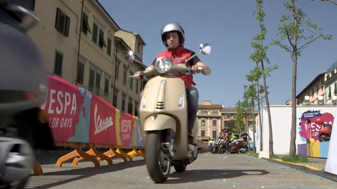 Vespa Color Days video